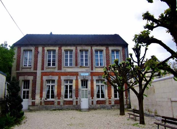 lyonshouse