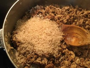 Add the cooked rice into mixture.
